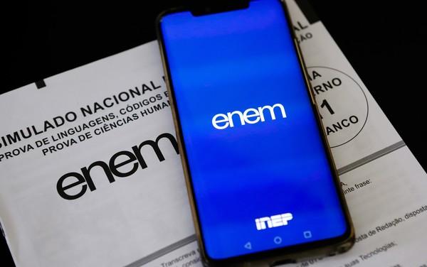 MEC adia pagamento da taxa de inscrição do ENEM 2020