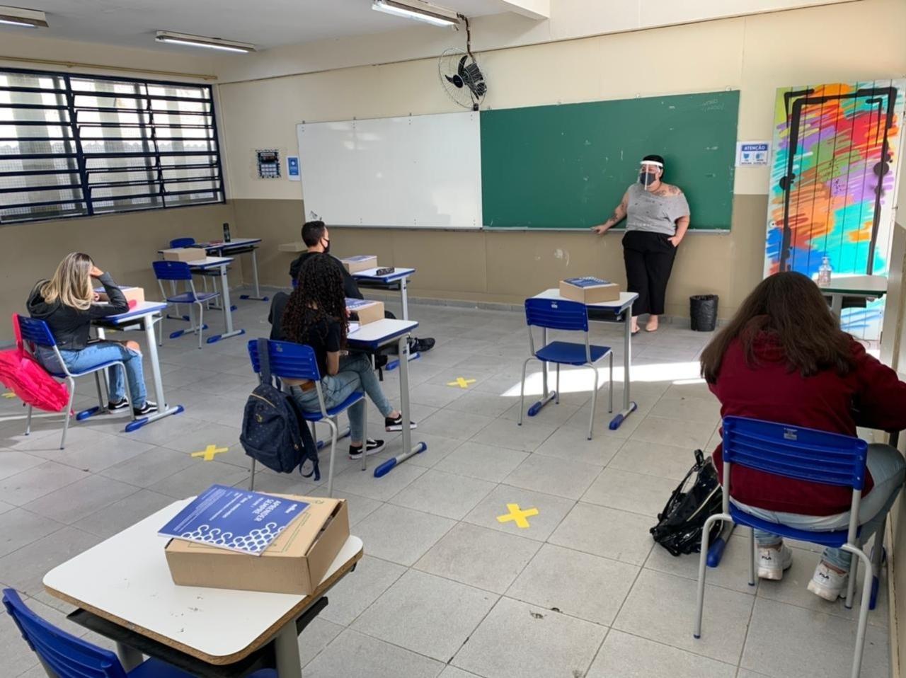 SP: 'Escolas estaduais reabrem a partir de 14 de abril', diz secretário
